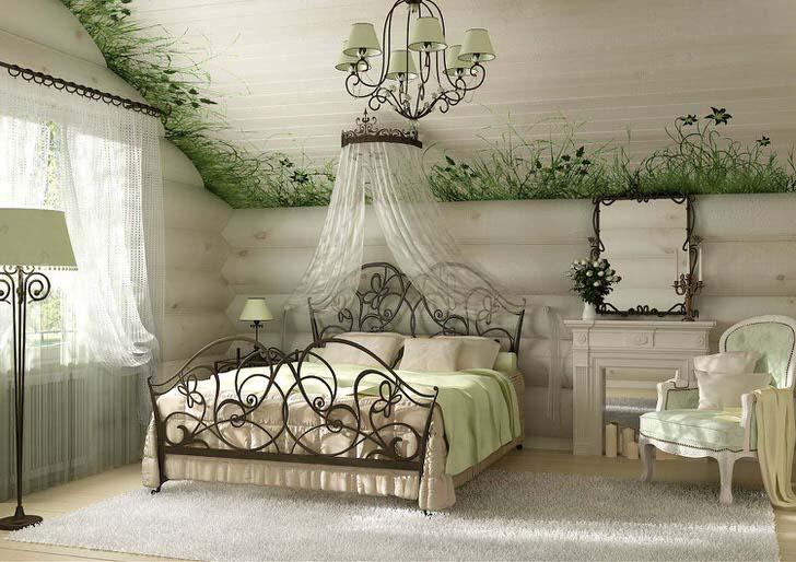 Светлая, просторная спальня в стиле кантри примечательна особой отделкой потолка, по контуру которого изображена свежая зелень с редкими цветами.