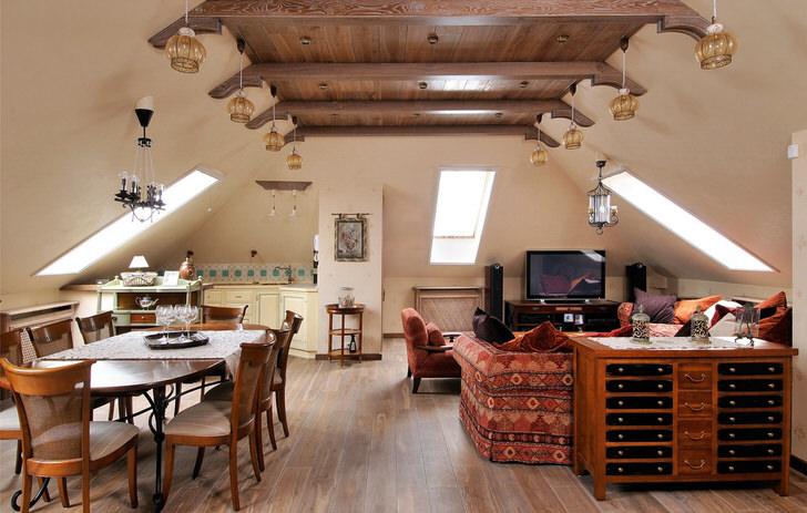 Скандинавский мансардный стиль.Светлые стены, балки на потолке, пол под дерево.