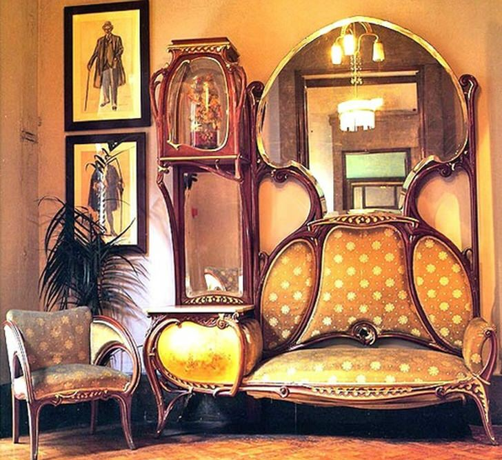 Плавные линии мебели стиля-антикварная мебель модерн.