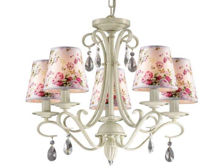 Пример люстры для комнаты, интерьер которой выполнен в стиле французский прованс.