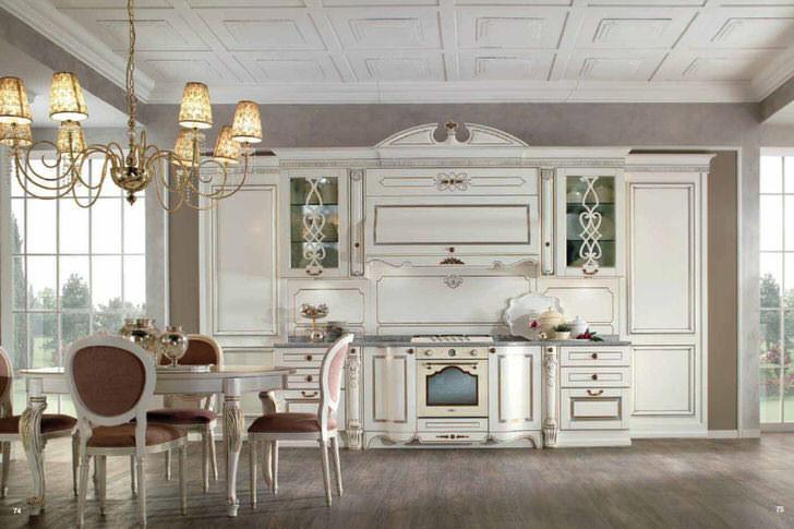Гостиная в стиле барокко в охотничьем замке провинции Прованс Франция.