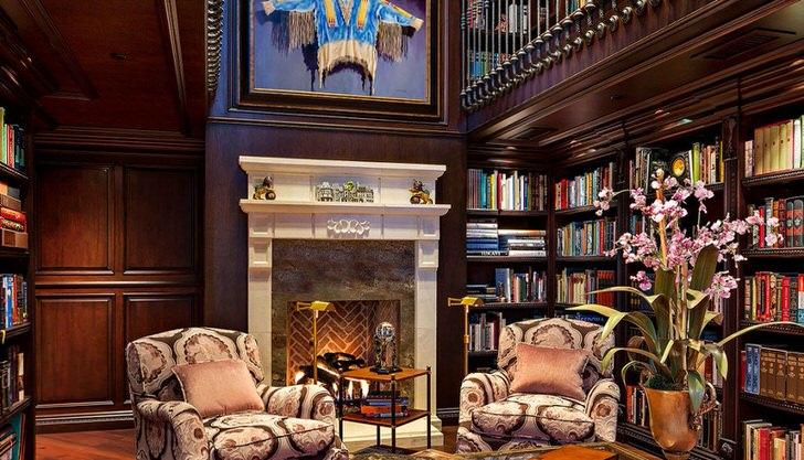 Образец тонкого вкуса, практичности и комфорта гостиной в фамильном замке.