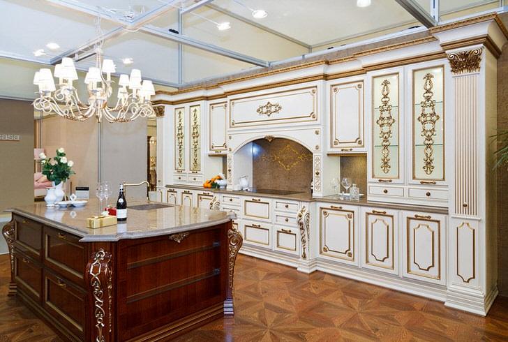 Изящная мебель в интерьере гостиной стиля барокко.