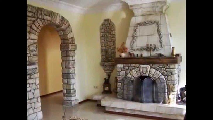 Английский камин труженик в стиле кантри. Для сельского фермера туманного Альбиона главное назначение камина тепло в доме. Камин делали из привычного для Англии булыжника выкладывая передний портал сводом