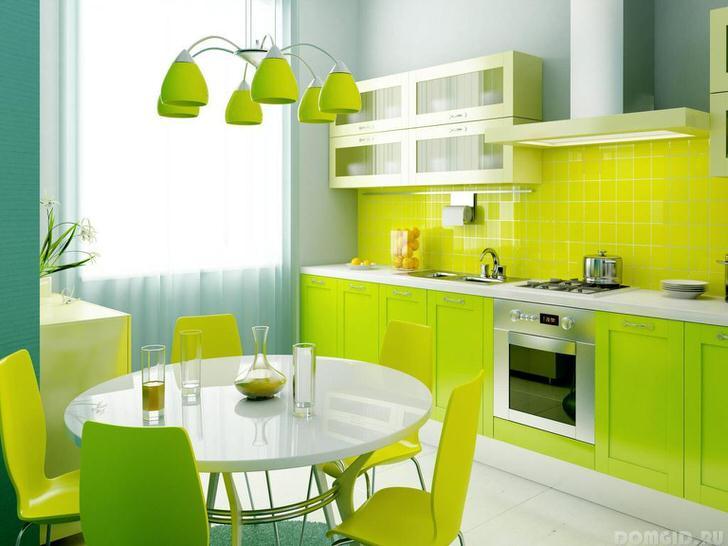 Яркий лимонный цвет и спокойные серые тона, удачное сочетание.