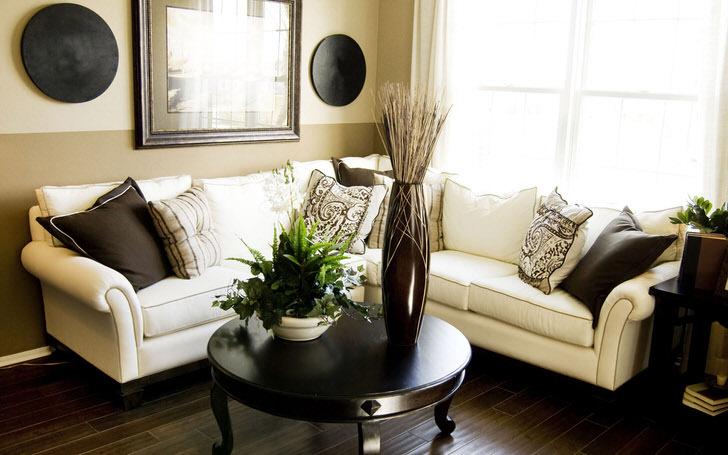 Скандинавы любят красить стены в пастельные тона, и декорировать комнату вазами и цветами.