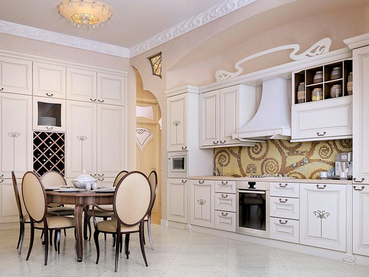 Элегантная кухня в стиле кантри с правильно подобранным освещением.