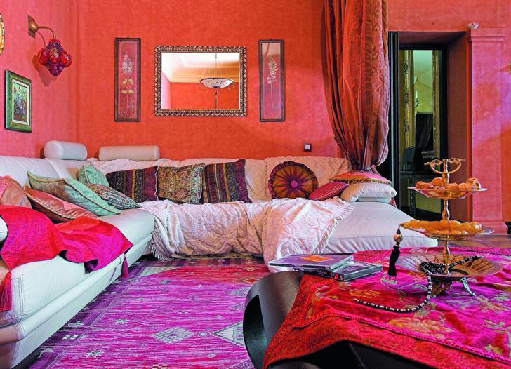 Узнаваемый цвет Индии-охра.