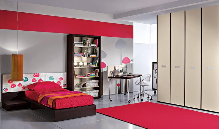 Большая комната в стиле хай-тек для современного ребенка. Ничего лишнего. Большой шкаф и высокий стеллаж с полками вместят все вещи, необходимые малышу.