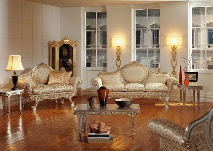 Гостиная в стиле барокко в обычной городской квартире.