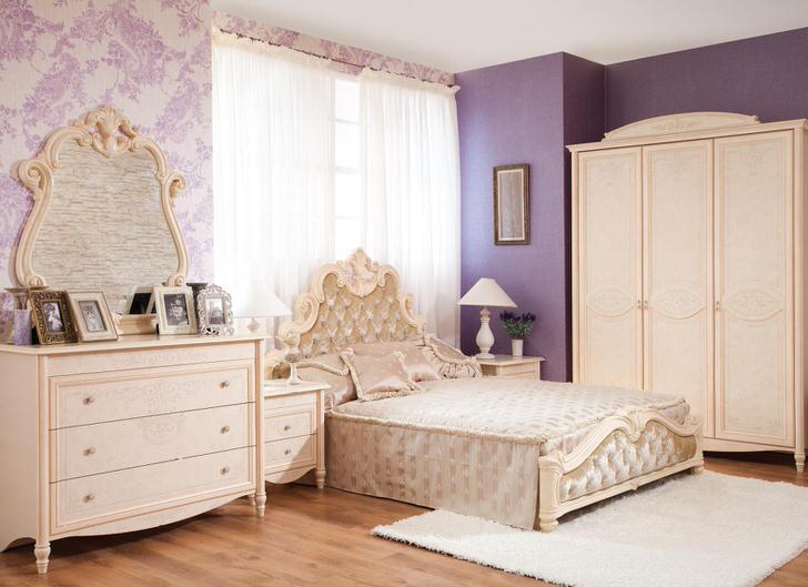 Мебель из дерева для современной спальни в стиле барокко. Меньше размаха и пафосности, но это по-прежнему барокко.