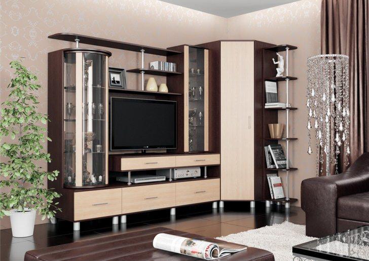Применение угловых модулей в небольших гостиных позволяет увеличить полезную площадь.