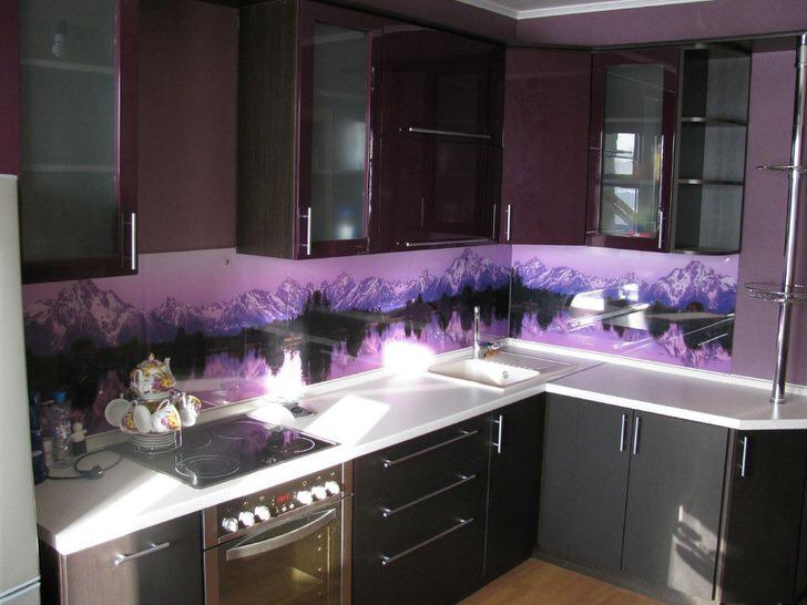 Фиолетовые цвета помещения