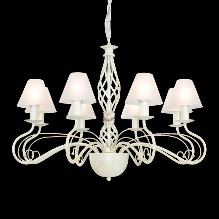 Изящная лампа в стиле кантри, как в старых домах Франции.