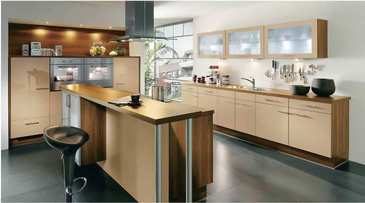 Модульная кухонная мебель позволяет гармонично обустроить помещение разной площади.