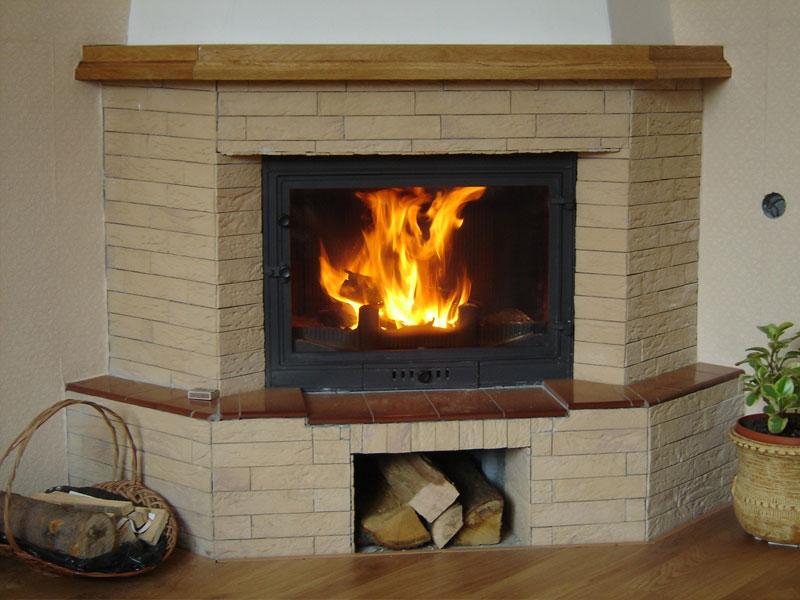 Угловой камин из кирпича - комфорт и уют в современном доме.