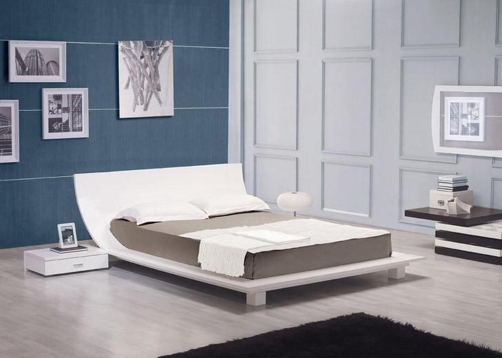 Классические цвета в оформлении спальни в стиле хай-тек. Добавляйте в интерьер комнаты картины с вашим ощущением окружения.