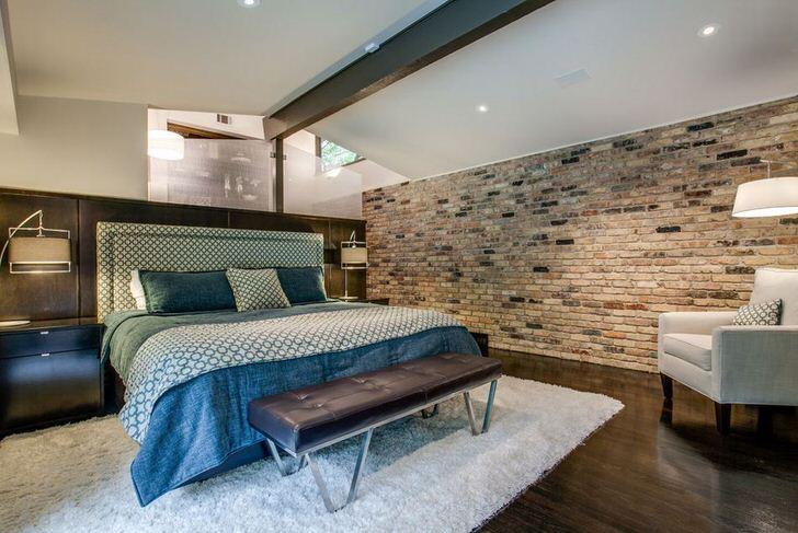 Современная спальня в стиле лофт не перегружается грубой отделкой.