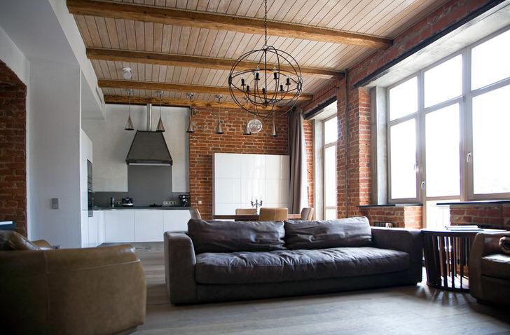 Характерные офисные диваны, ровесники производственных мастерских.