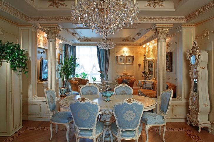 Роскошная столовая оформлена в стиле барокко.