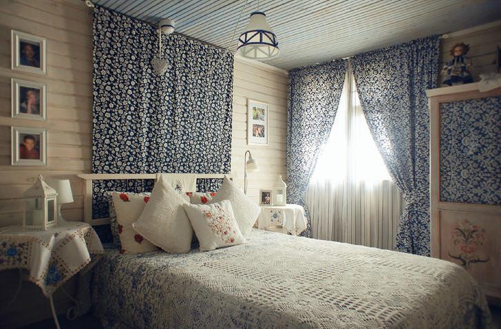 Светлая, уютная комната в стиле деревенски кантри в небольшом доме на юге Испании. Дизайнерская задумка реализована для спальни молодой девушки.