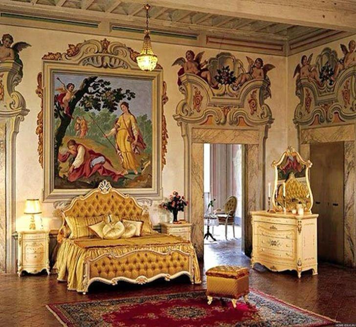 По-настоящему королевская спальня в загородном доме.