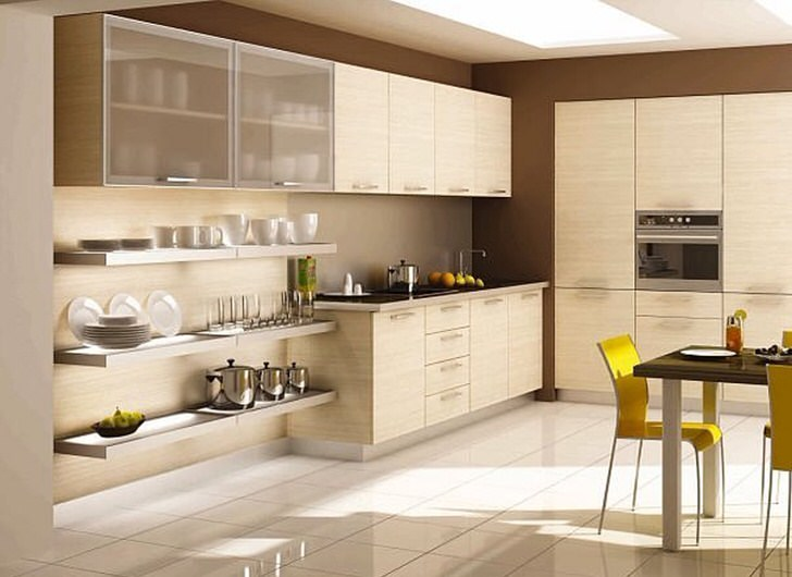 Классический модерн использован для обустройства кухни. Кухонный гарнитур из натурального светлого дерева идеально вписывается в общий дизайнерский замысел.