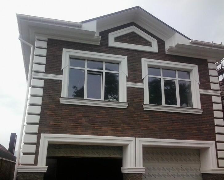 Картинки по запросу Как украсить фасад дома лепниной