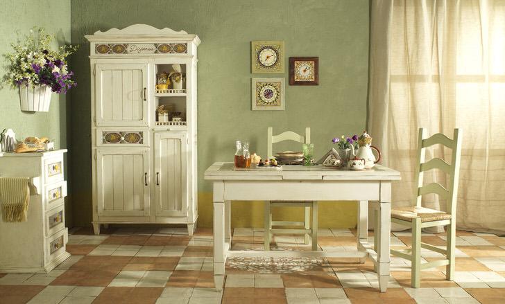 Уютная кухня в кантри стиле выполнена в белом и нежно-оливковом свете. Идеальное сочетание цветов для деревенского стиля.