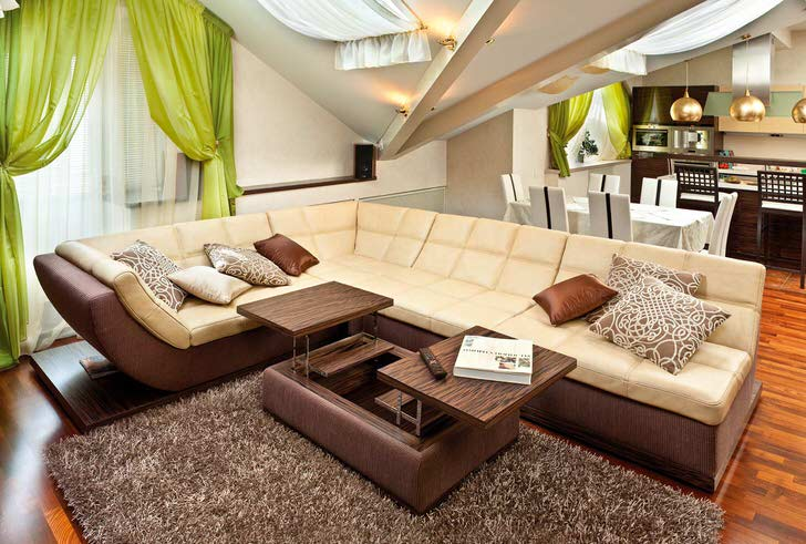 Используя совместимость модульных конструкций можно создавать просторные и уютные зоны отдыха в квартирах студиях.