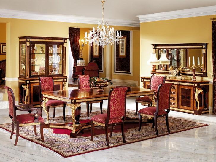 Шикарная столовая в стиле ампир с яркими акцентами благородного красного.