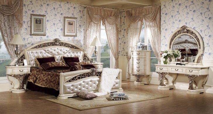 Дизайнерский проект для просторной спальной комнаты в стиле барокко.