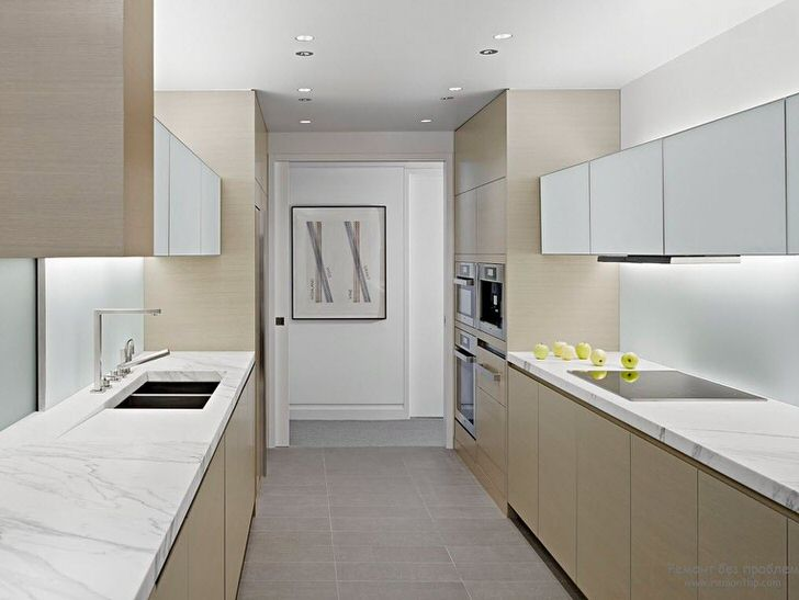 Кухня в стиле минимализм для хозяйки, которая любит готовить много и вкусно. Пространство организованно максимально функционально. Никаких лишних деталей, отвлекающих от готовки.