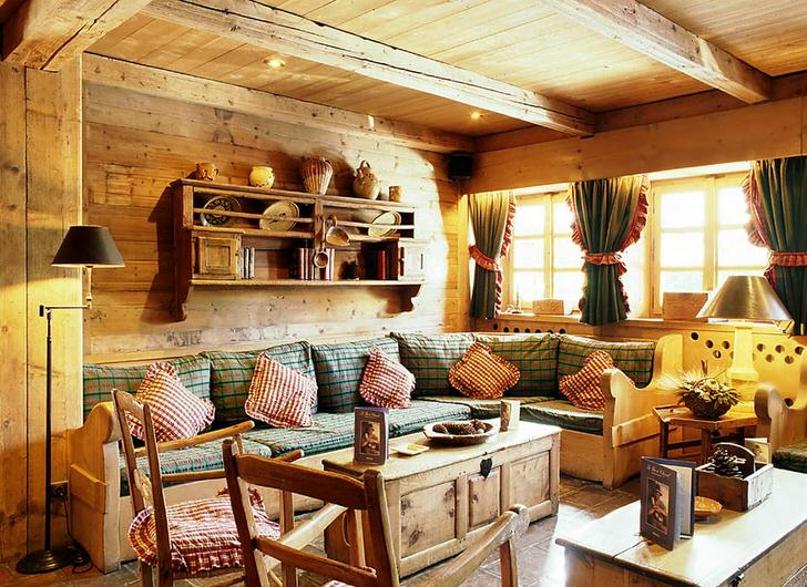 Уютная гостиная на даче