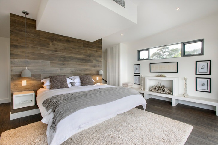 Стильная спальня в деревенском кантри. Функционально оформленное пространство не загромождено лишними деталями. Спальная комната - правильный пример семейного очага.