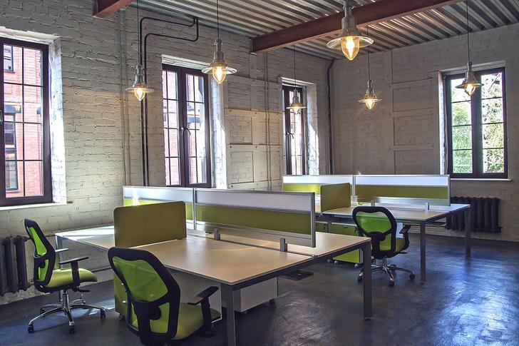 Офис в стиле лофт для небольшого колл-центра.