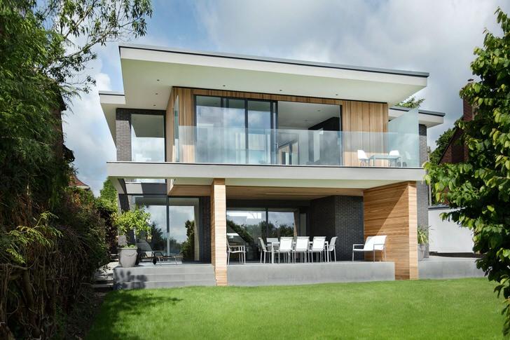 Небольшой загородный дом в стиле минимализм.