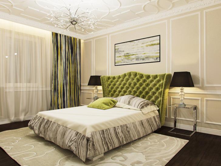Спальня небольших габаритов также может быть оформлена в стиле арт-деко. В качестве декора потолка использована лепка. Взгляд притягивает контраст темно-оливкового и бежевого цвета.
