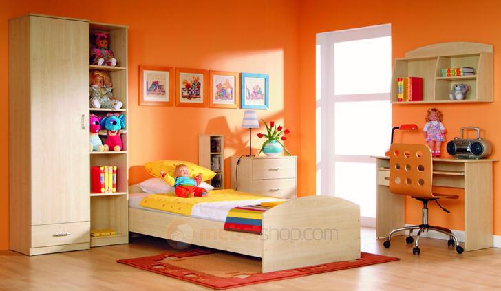 Классическая модульная мебель для детской. Цвет слоновой кости делает гарнитур универсальным.