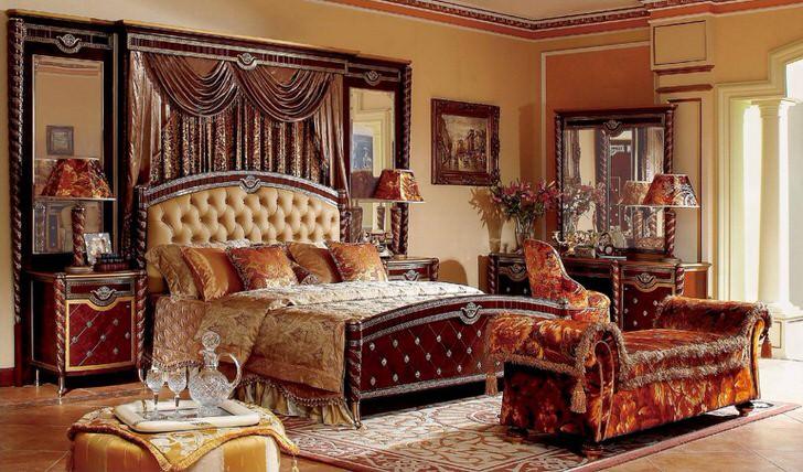 Благородный стиль ампир в своем ярчайшем проявлении в спальне французской семьи.