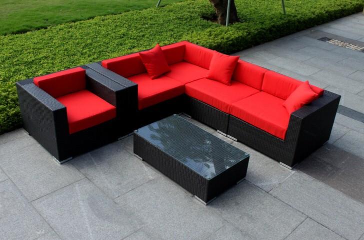 Модульная мягкая мебель для садового ландшафта в стиле минимализм.