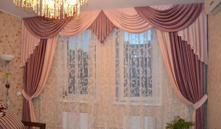 Мягкие ламбрекены подойдут для оформления любой жилой комнаты. Нежные, воздушные складки драпировки изысканно смотрятся в оформлении интерьера любого стиля.