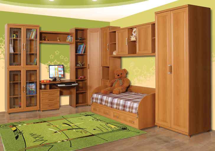 Классический вариант корпусной мебели для детской комнаты подойдет для мальчиков и девочек.