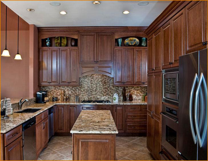 Интерьер кухни в классическом стиле.