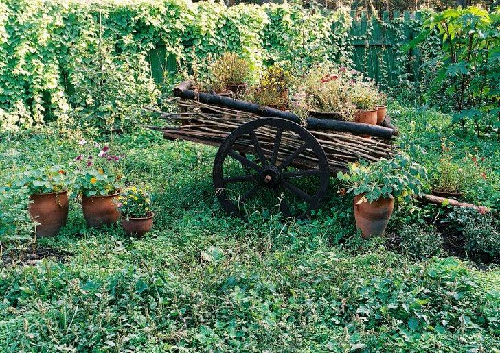 Декор для сада в кантри стиле. Милые элементы сделают приусадебный участок уютным и привлекательным.