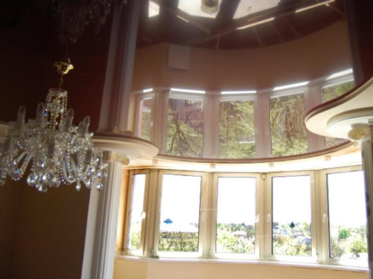 Дизайнерское решение для комнаты в стиле барокко.