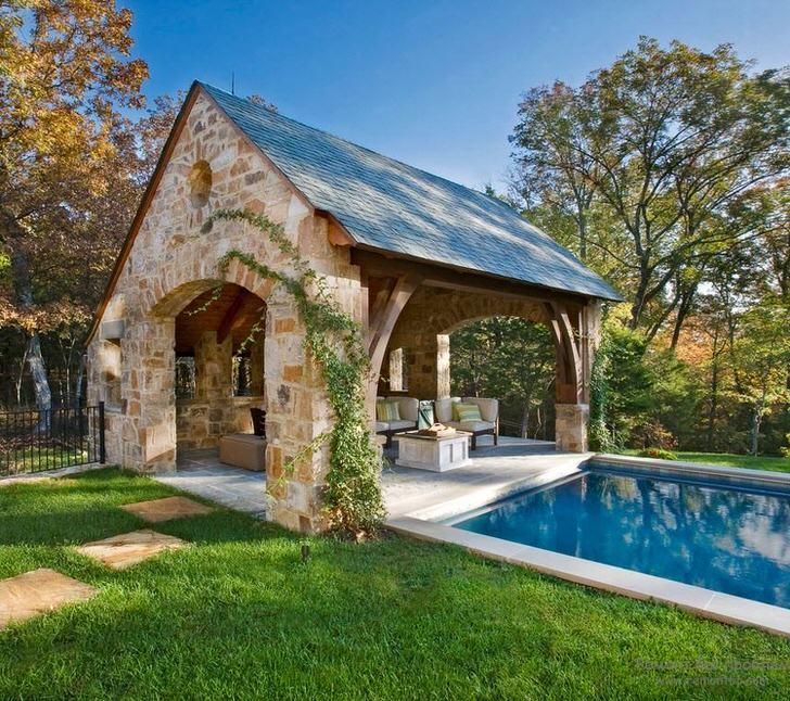 Беседка в скандинавском стиле у бассейна становится примечательной особенностью ландшафтного дизайна.