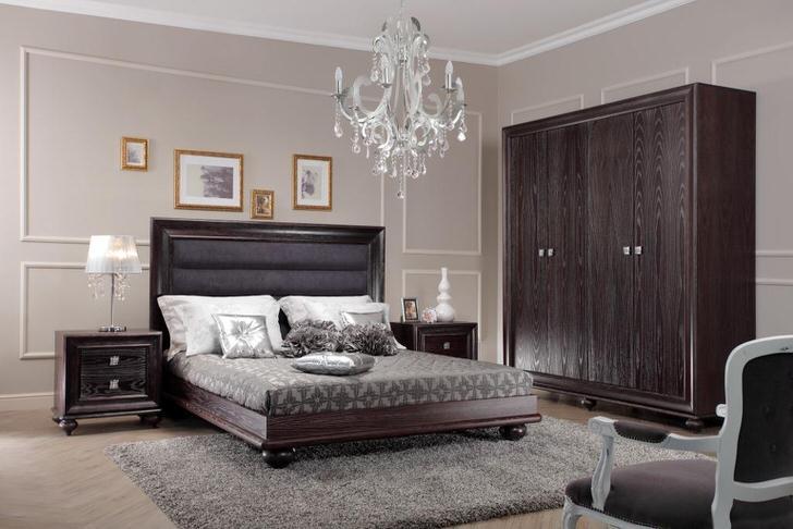 Дизайн интерьера спальни в цвете венге неповторим и уникален. Правильное решение для ценителей сдержанной классики.