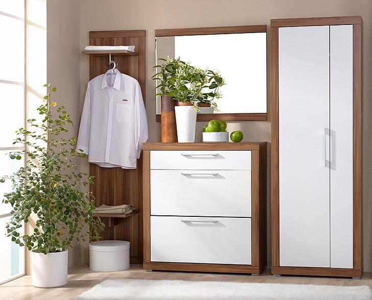 Модульные прихожие - идеальный вариант, когда речь идет об оформлении небольших помещений. Практичная мебель включает выполняет все необходимые функции.