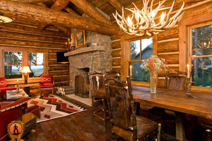 Стильное оформления охотничьего домика в деревенском стиле создает атмосферу домашнего уюта.